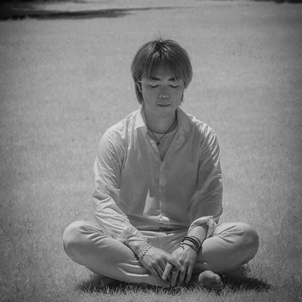 海老沢 宏克(六弦)